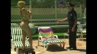 Gina Vice fucks a cop – www.xslovenke.si