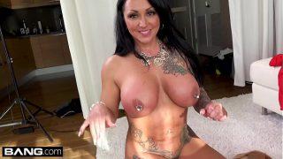 Latina MILF Ashton Blake flashes her pussy in a public park